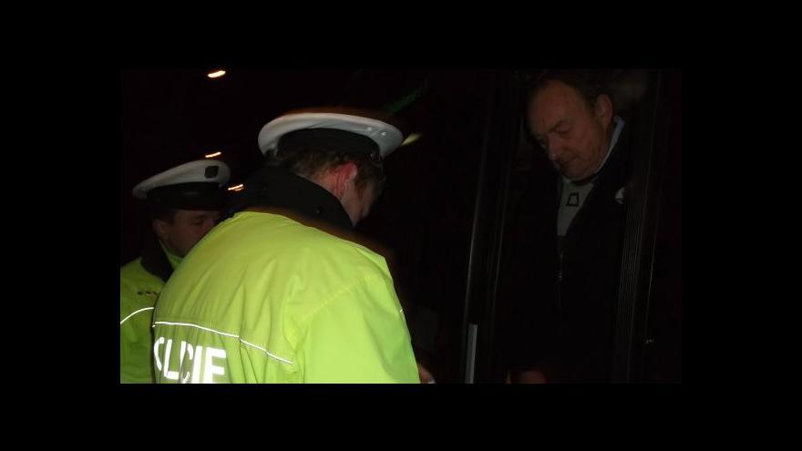Video Policisté se zaměřili na alkohol a drogy u řidičů
