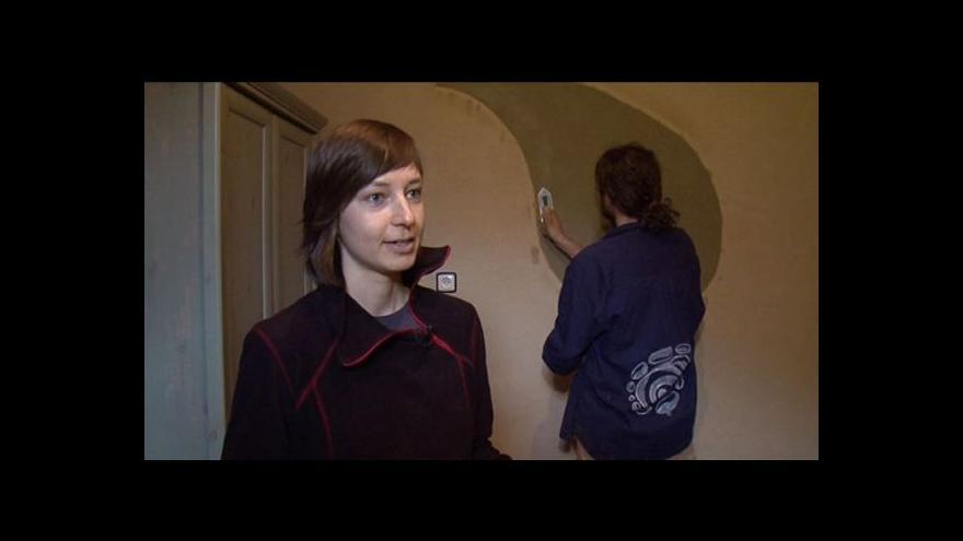 Video Architektka Kateřina Šmardová o voňavých hliněných omítkách