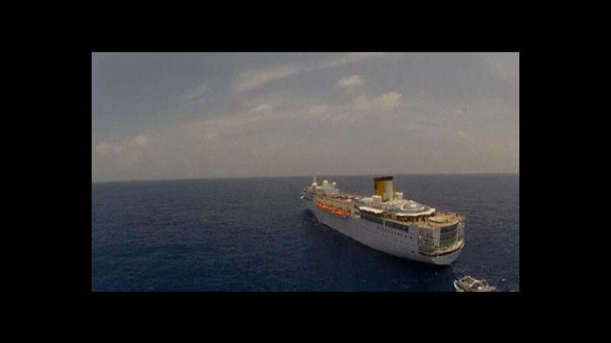 Video Costa Allegra zakotvila u seychelských břehů