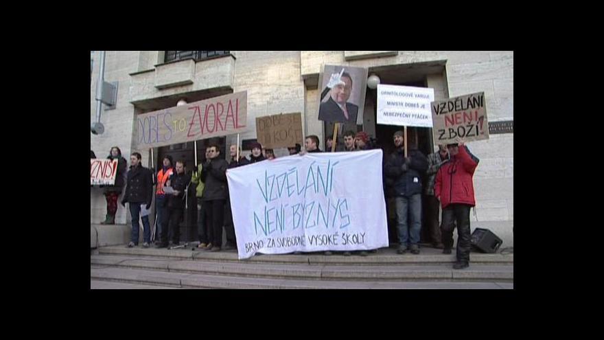 Video Stovky studentů protestovaly v rámci Týdne neklidu