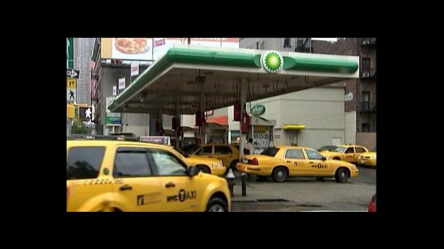 Video Obama o cenách benzinu v USA