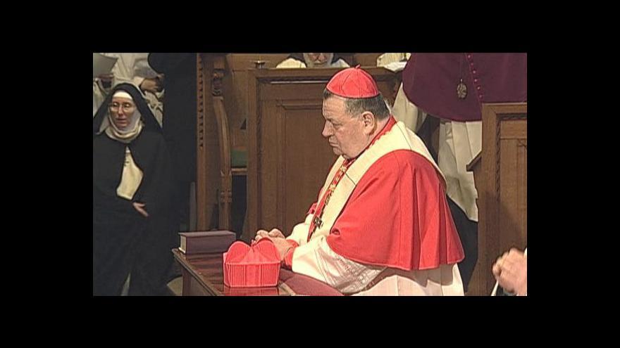 Video Duka navštívil katedrálu a setkal se s Klausem