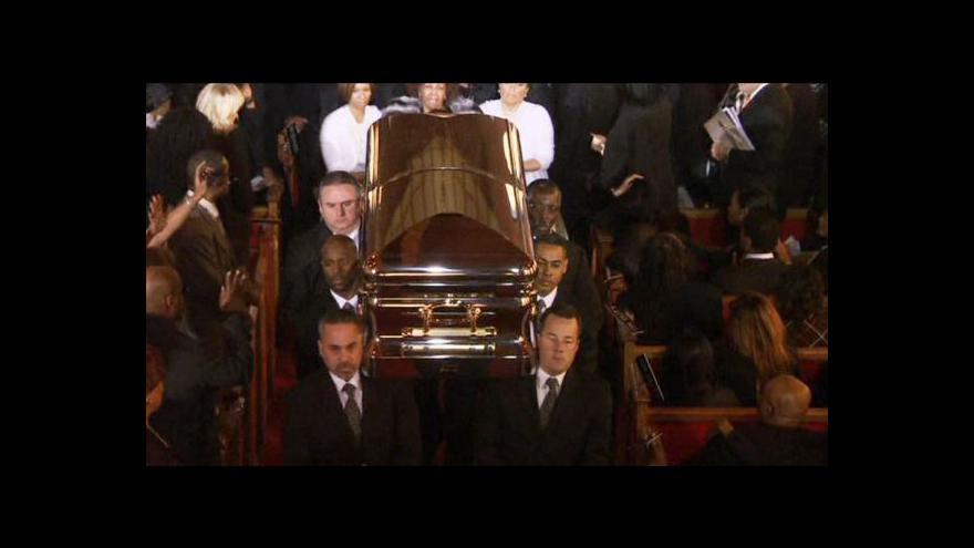 Video Lidé se rozloučili s Whitney Houston