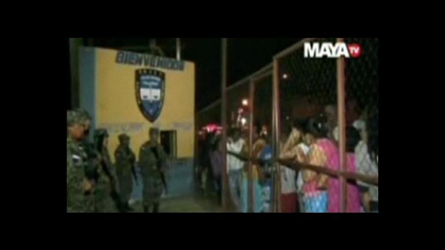 Video V Hondurasu hořela věznice