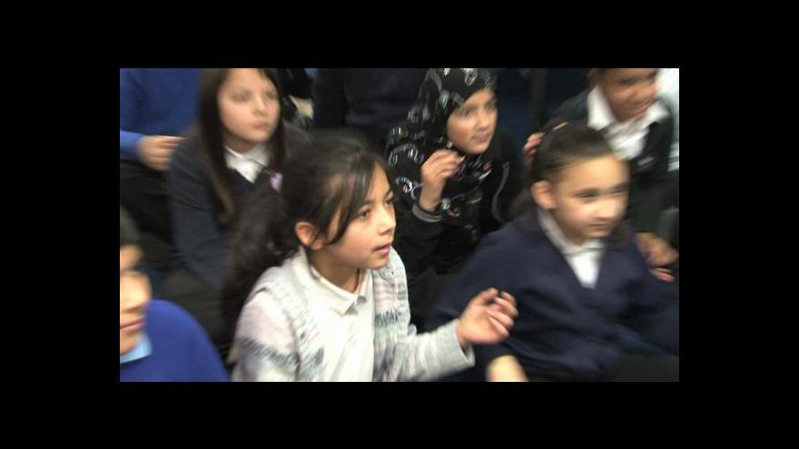 Video Romské děti v britských školách tématem Studia 6