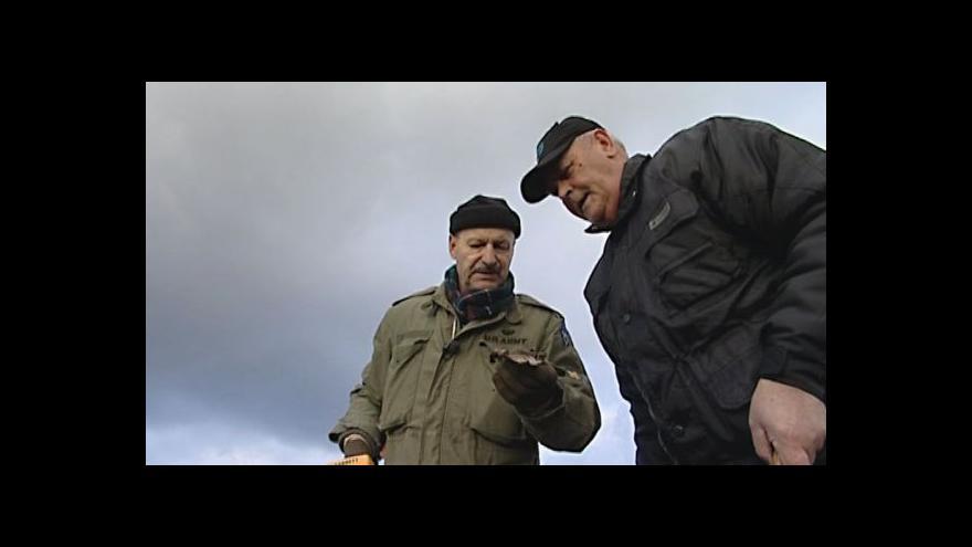 Video Hledači odkrývají další tragický příběh letce u Loděnice