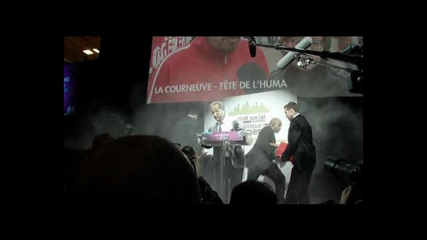 Video Hollande se ocitl pod vrstvou mouky