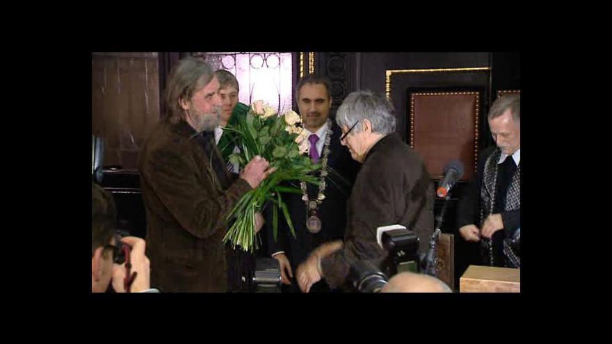 Video Rozhovor s laureátem Ceny Karla Čapka Pavlem Šrutem