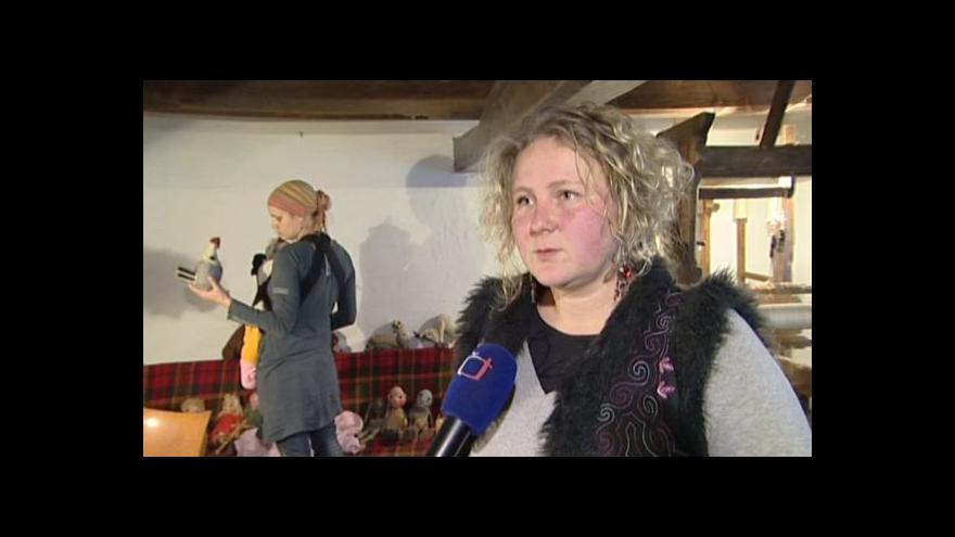 Video Martina Šalomounová ze sdružení Futra o nálezu loutek
