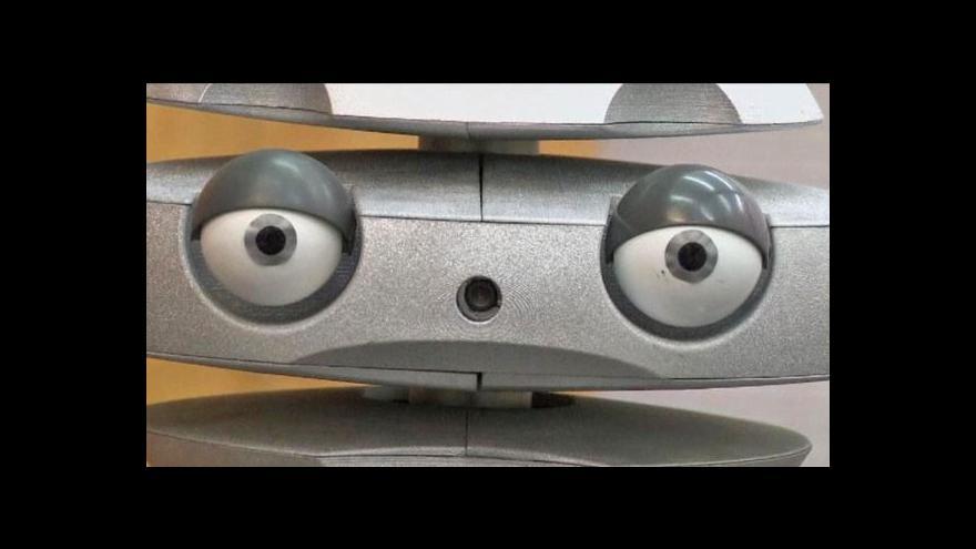 Video Polský robot vyjadřuje emoce