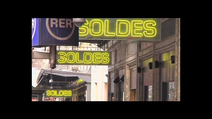 Video Slabé euro láká do Evropy Američany