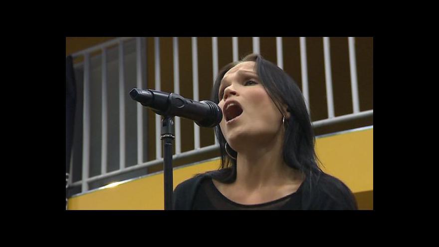 Video NO COMMENT: Přípravy Tarjy Turunenové před koncertem ve Zlíně