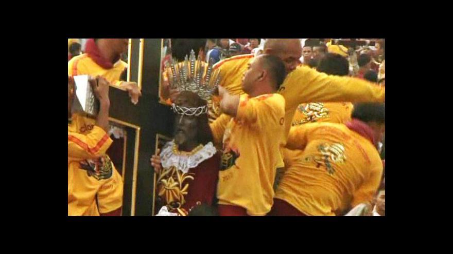 Video Manilu zaplavily miliony katolíků