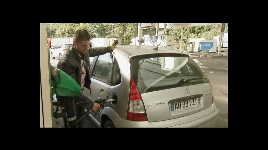 Video Benzinová turistika mezi Itálií a Rakouskem jen kvete