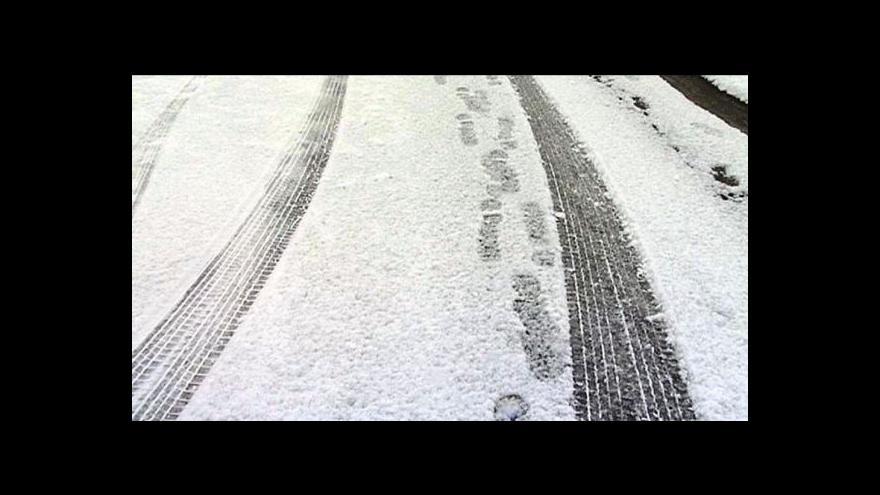 Video Silný vítr a sníh komplikoval dopravu