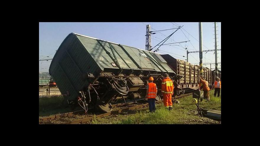 Video Studio ČT24 o nehodách na železnici