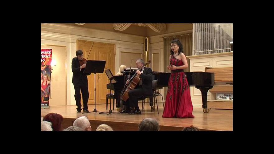 Video Reportáž Zuzany Neuvirtové z koncertu Moravského klavírního tria