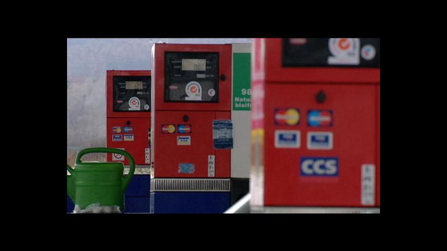 Video Spotřeba benzinu a nafty klesá