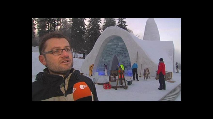 Video V Bavorsku mají kostel ze sněhu