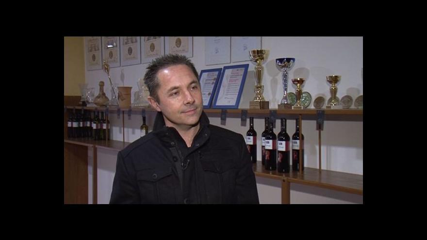 Video Otec a syn Kosíkovi o rodinné tradici vinařství