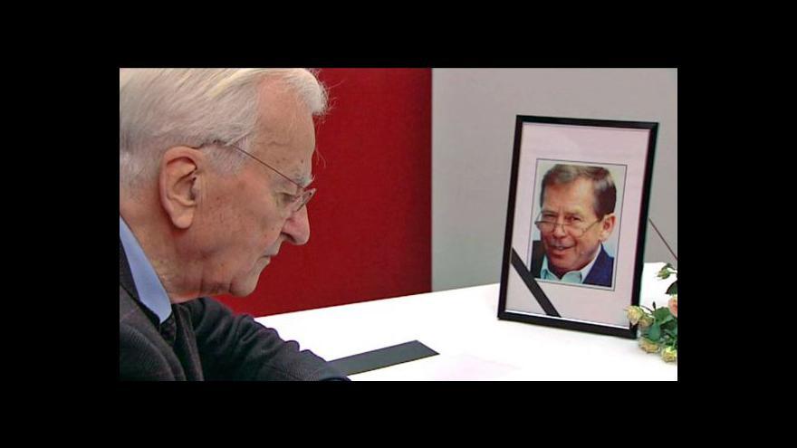 Video Světoví státníci a tisk ke smrti Václava Havla