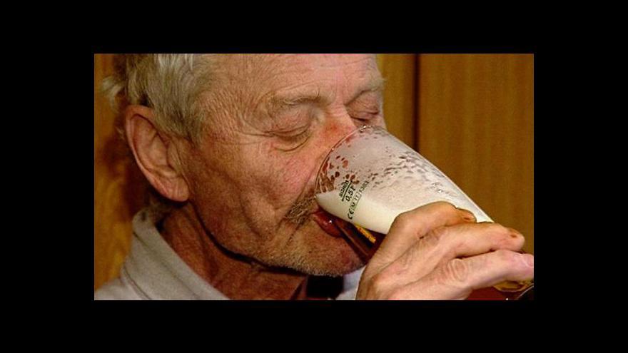 Video Češi omezují konzumaci piva