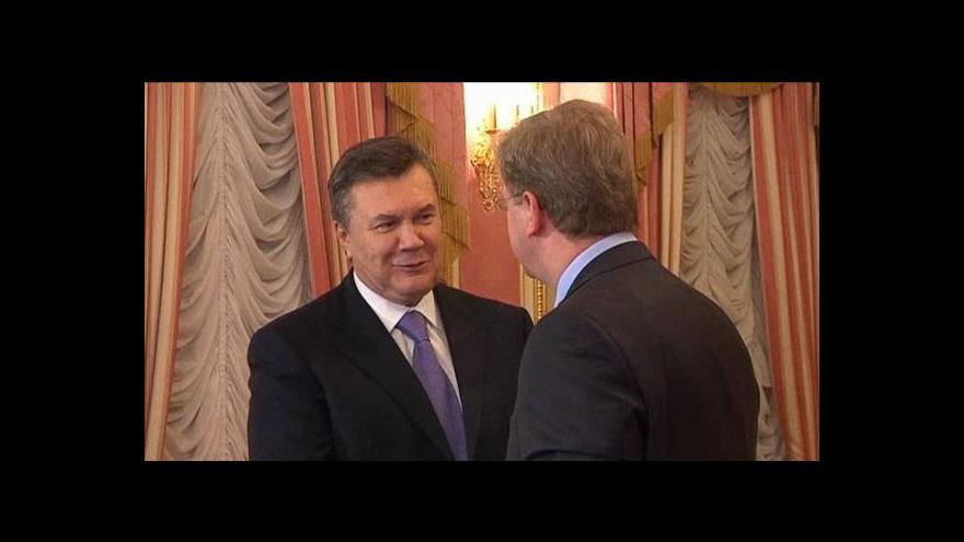 Video Füle navštívil vězněnou Tymošenkovou