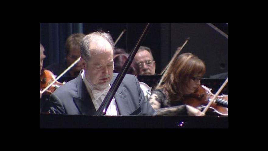 Video NO COMMENT: Koncert Garricka Ohlssona