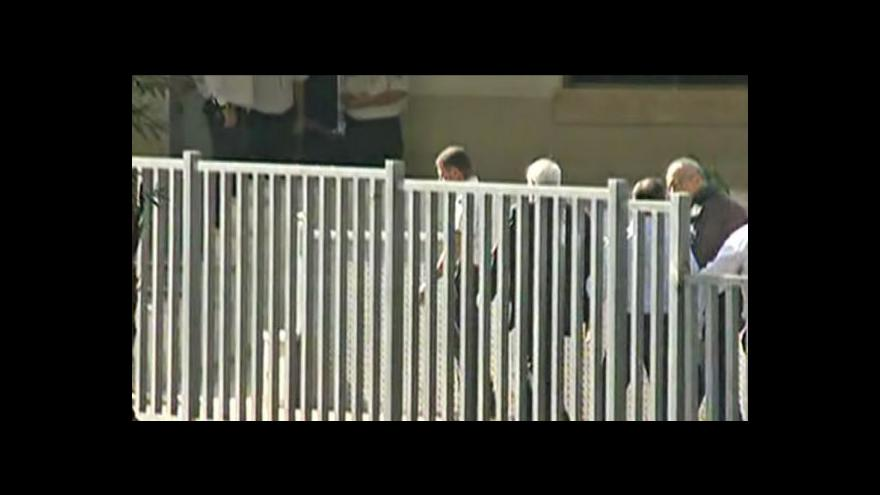 Video Moše Kacav nastoupil do vězení