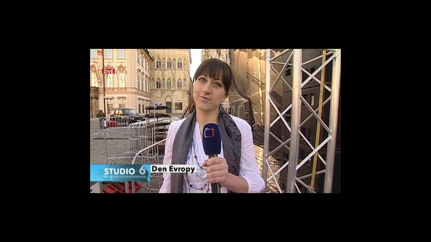 Video Ze staroměstského náměstí informuje Lenka Drmotová