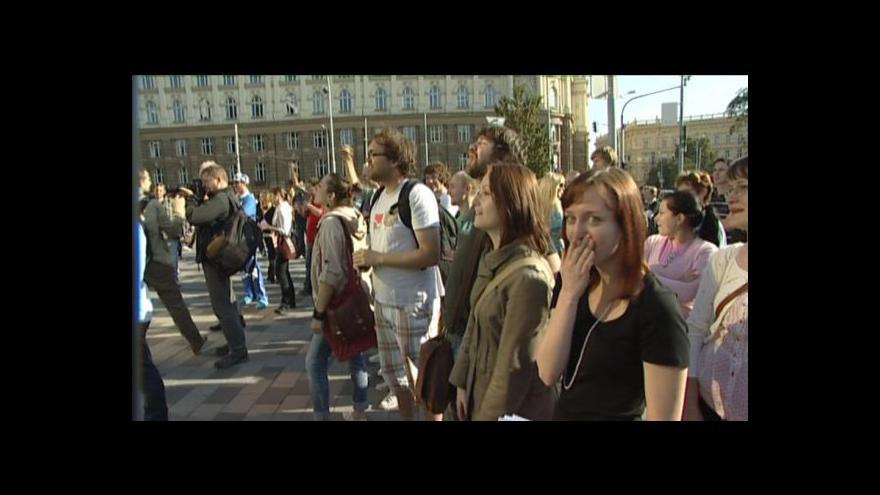 Video NO COMMENT: 100 kraťasů za 250 korun