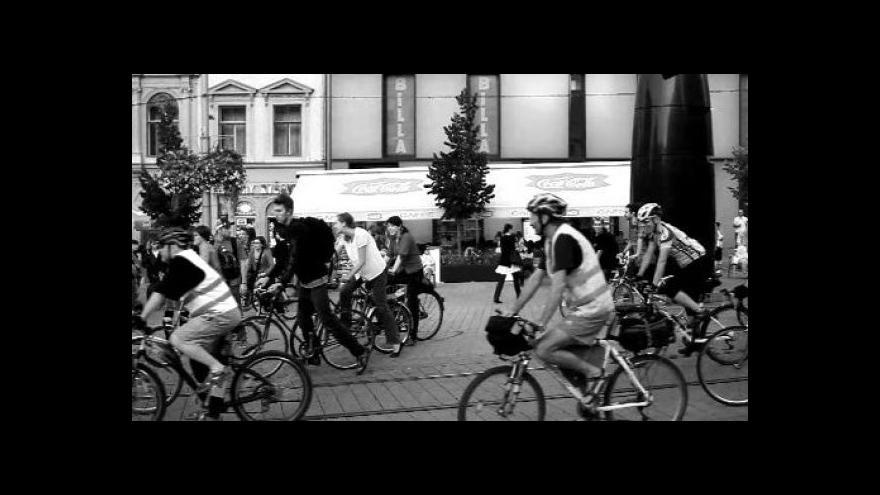 Video Policejní zásah proti cyklistům v Brně