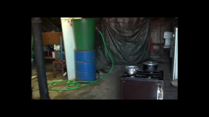 Video Nelegální výrobna tofu v Brně-Tuřanech (policejní záběry)