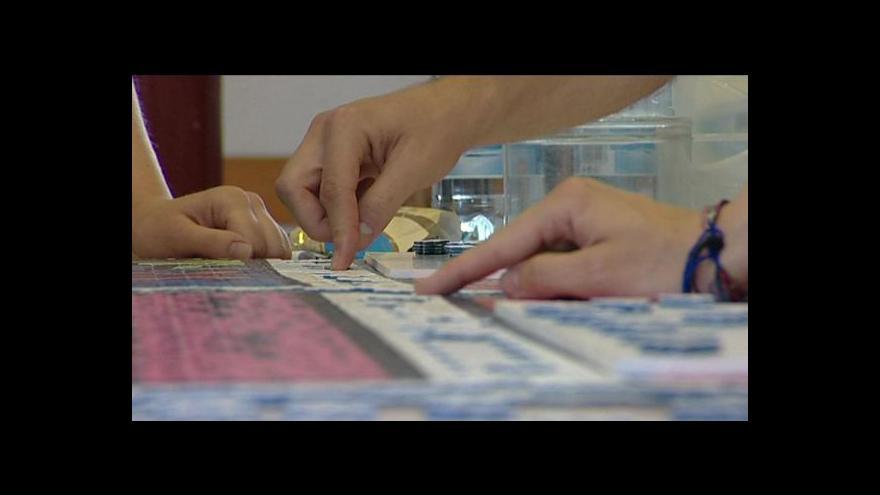 Video Světový rekord ve skládání puzzle patří Česku