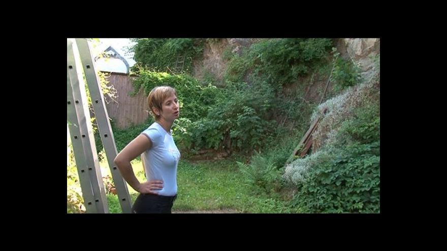 Video Lidé z Kuřimi musí skálu zabezpečit sami, Lesy města Brna zajištění nezaplatí