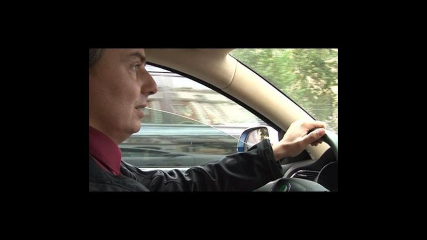 Video Jaromír Marušinec předvádí elektromobil
