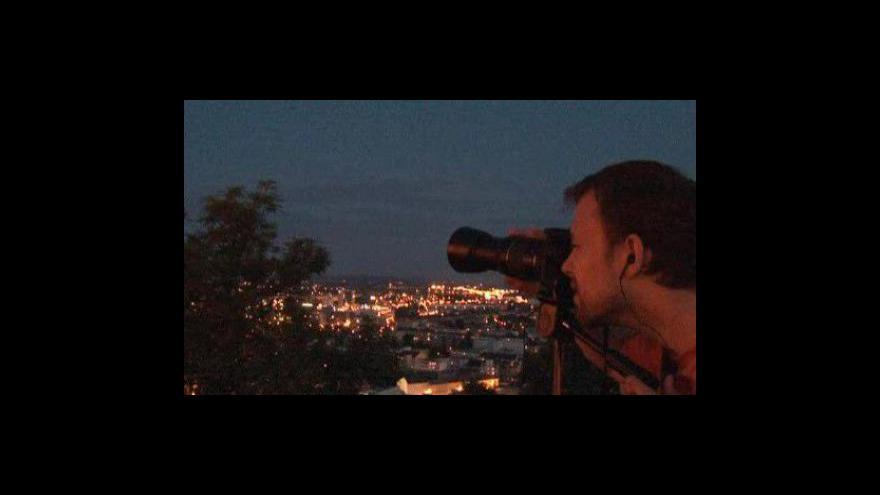 Video No comment: Lidé na Špilberku pozorovali zatmění měsíce