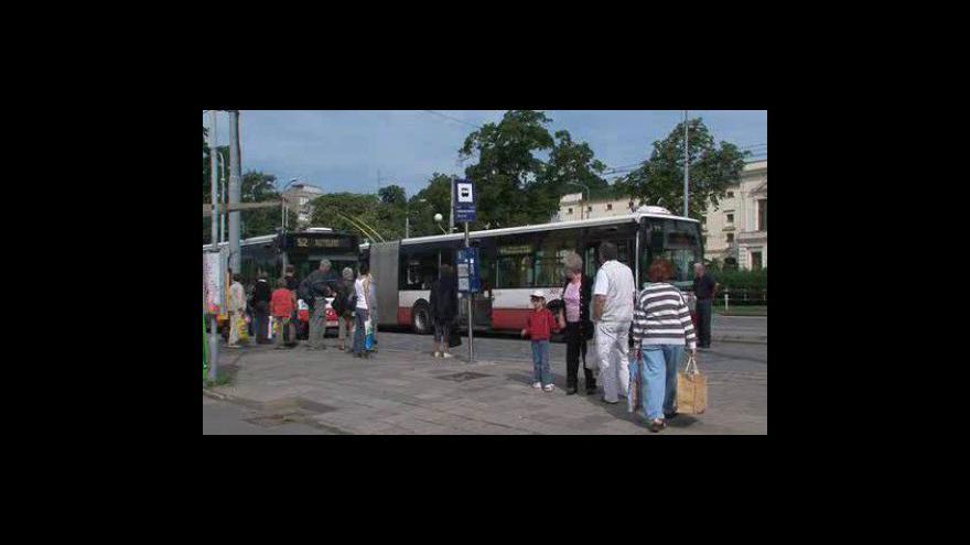 Video Roman Onderka a zástupce odborů Libor Weinstein slíbili provoz na páteřních linkách v Brně