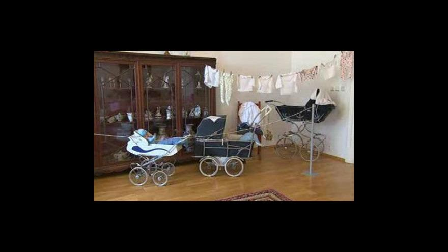 Video NO COMMENT: Výstava kočárků a panenek na zámku v Napajedlech