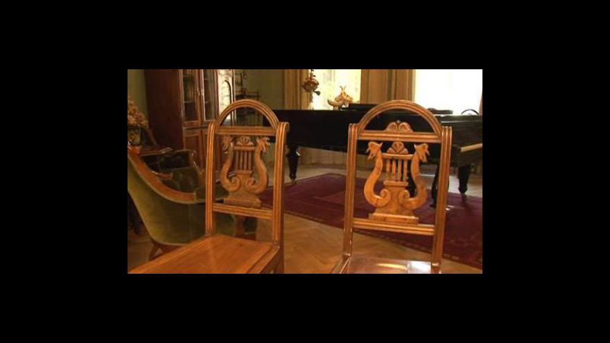 Video Předání židlí po Leoši Janáčkovi Moravskému zemskému muzeu