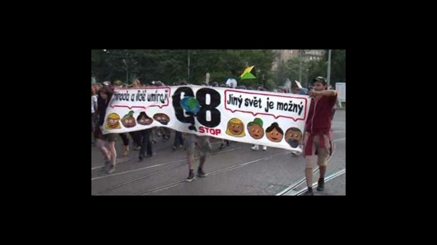 Video Pochod aktivistů v ulicích Brna