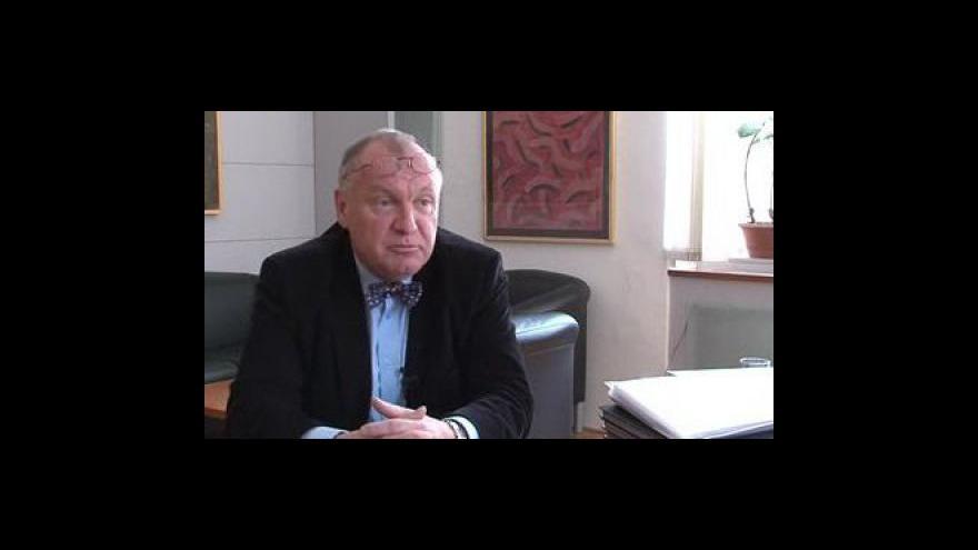 Video Rozhovor s Danielem Dvořákem o informacích ze zprávy René Adámka