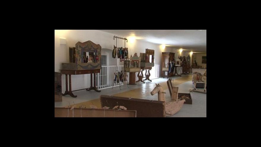 Video NO COMMENT: Výstava Loutky na zámku