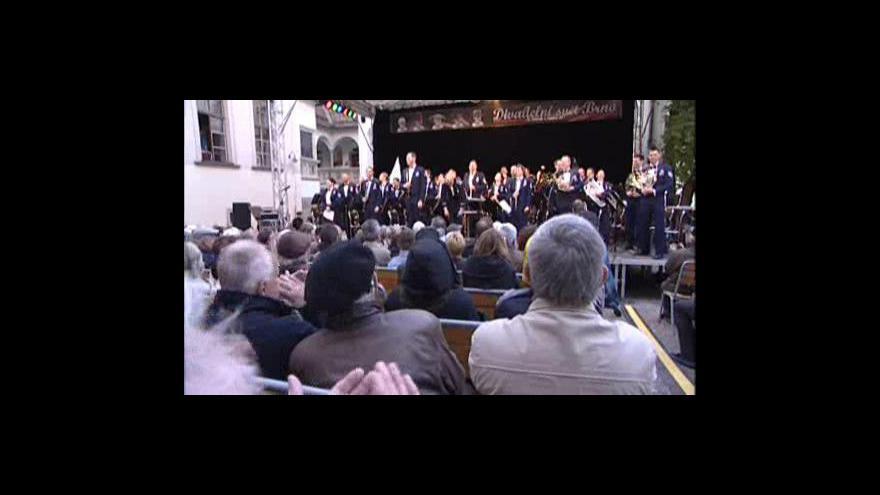Video NO COMMENT: Vystoupení amerického big bandu