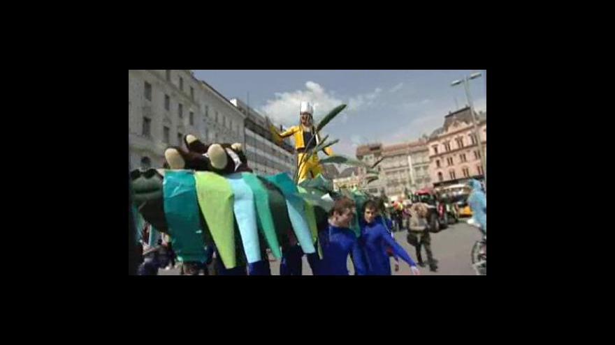 Video Majálesový průvod studentů v Brně