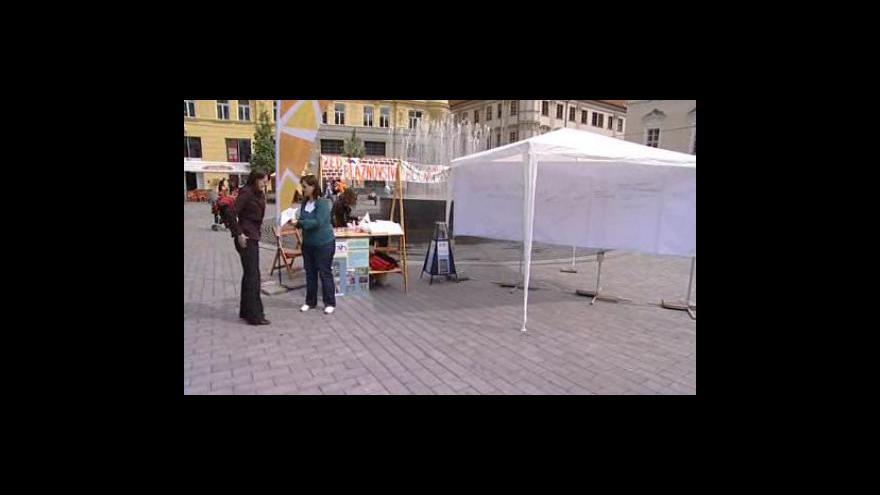 Video Zeď bláznovství počtvrté v Brně
