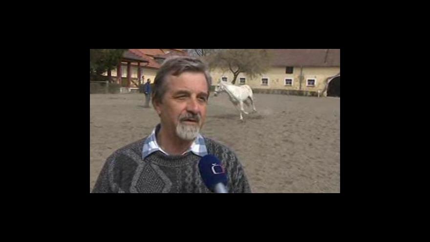 Video Ředitel hřebčína v Tlumačově Antonín Černocký o pomoci majitelům vyhořelých stájí