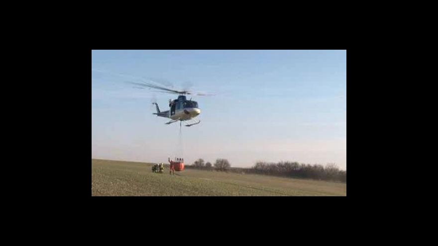 Video NO COMMENT: Požár trávy u Židlochovic