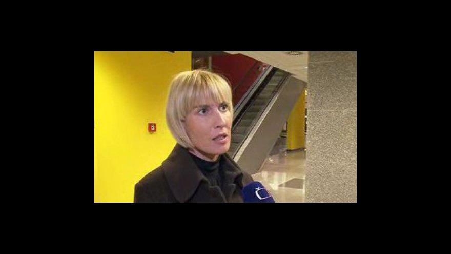 Video Státní zástupkyně a obžalovaný v případu nebezpečného pronásledování