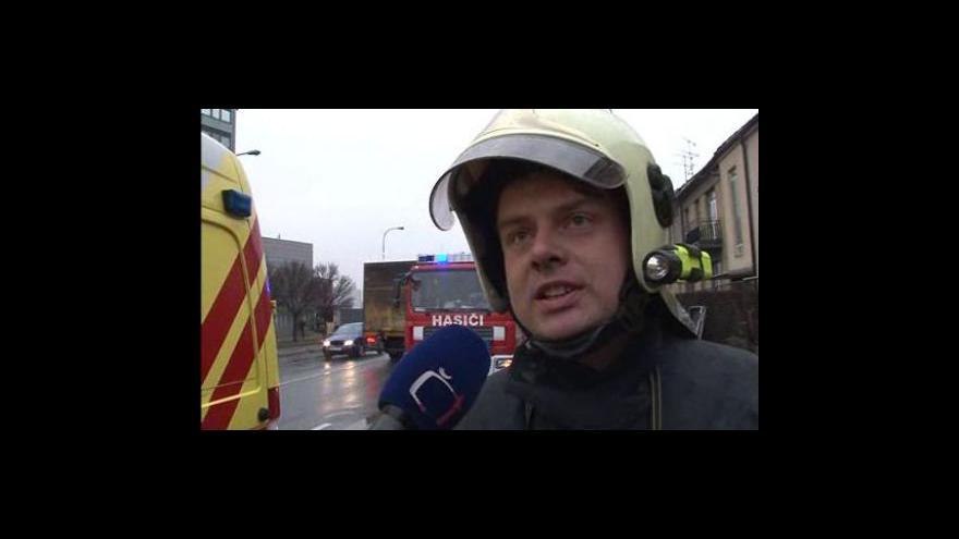 Video Velitel zásahu hasičů Aleš Novák popisuje vyprošťování muže